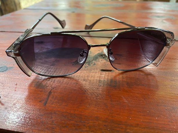Новые в чехле очки Gucci glass