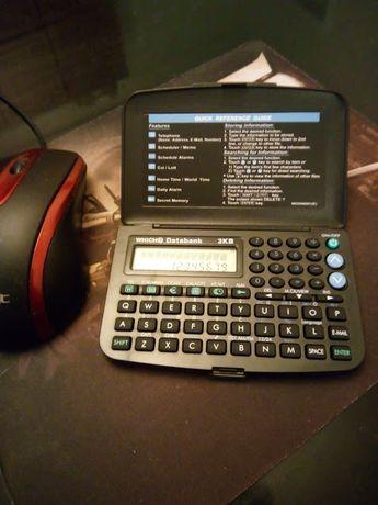 Электронный гаджет-калькулятор,телефонная книга,конвертер,часы