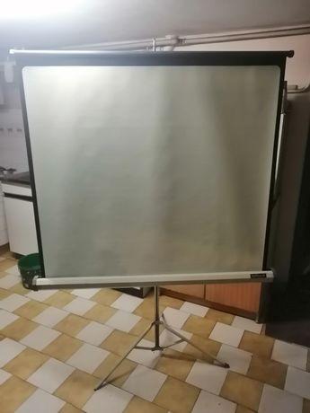 Ekran do rzutnika Brilant