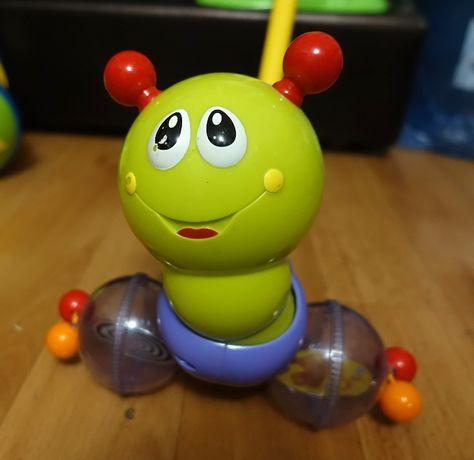 Суперская музыкальная каталка гусеница для малышей Huile Toys