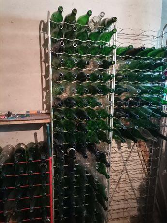 3 Garrafeiras, 7 bidões, 300 garrafas