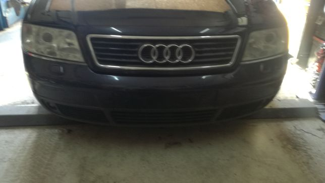 Zderzak przód Audi A6 C5  LZ5L