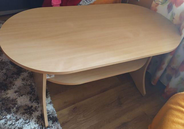 Mały stolik zadbany