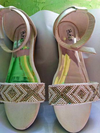Красивые сандали