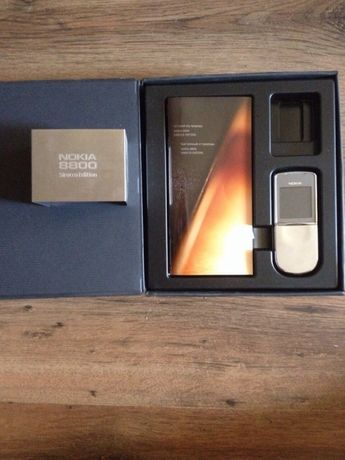 Nokia 8800 Sirocco Edition в отличном состоянии