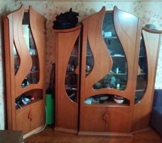 Мебель для гостиной , сервант , стенка ,горка .