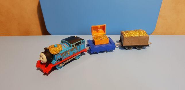 ZŁOTY TOMEK zestaw z dwoma wagonami ze złotem Trackmaster bdb