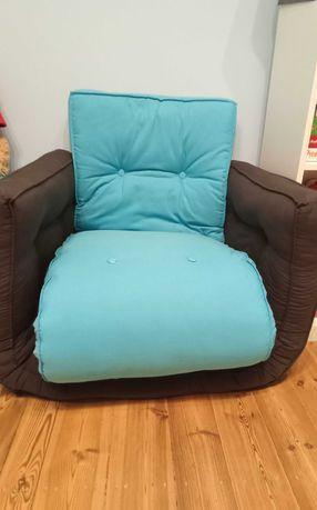 Dwufunkcyjny fotel, materace do spania