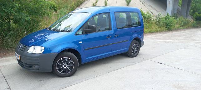 Срочно продам Volkswagen Caddy Life.