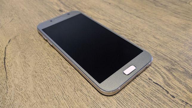 Продам мобильный телефон смартфон Samsung A7 2017 A720 3/32