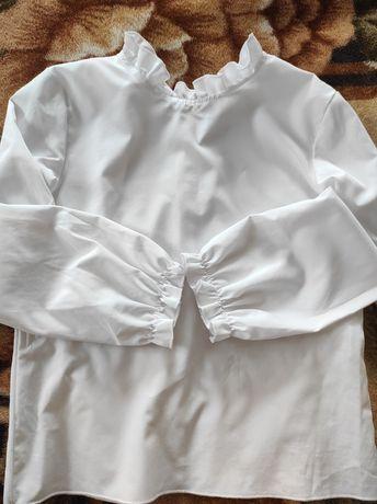 Біла блузка для дівчинки
