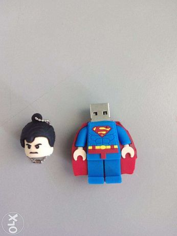 Pen Lego 32GB ou 64GB