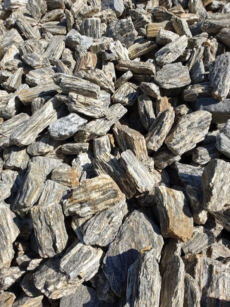 Kora kamienna, kora laminowana, gnejs dekoracyjny