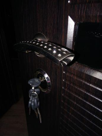 Входные двери металлические, железные, бронированные, уличные