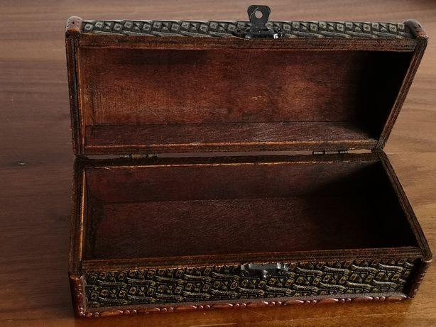Szkatułka pojemnik na drobiazgi zamykany