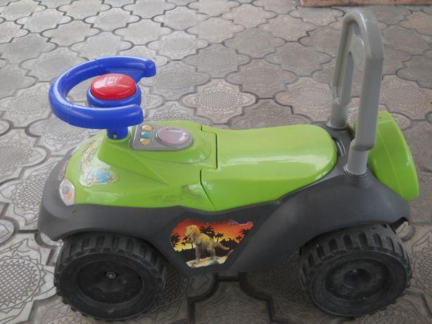 Детская машинка толкачка (толокар)