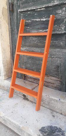 Escada decorativa na cor original