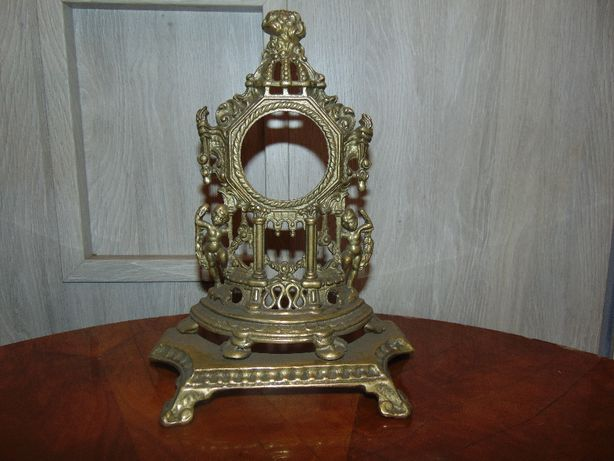 Stara mosiężna obudowa zegara wys.25,otwór 5,9 cm.