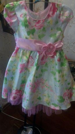 Нарядное платье цветочный принт.