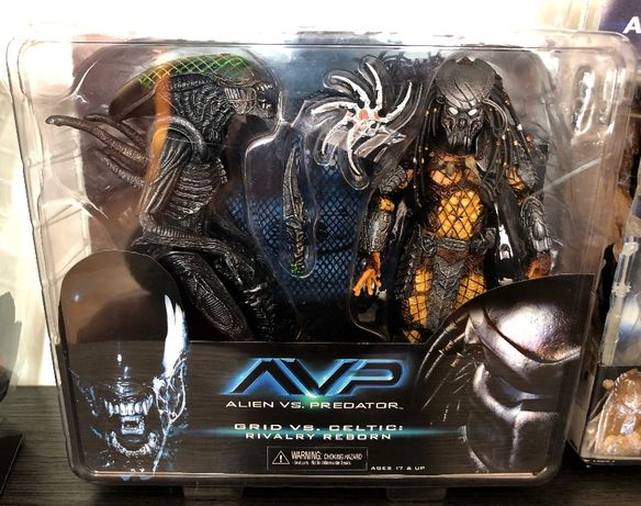 Neca AvP Celtic Predator vs Grid Alien 2pack rivalry reborn repaint