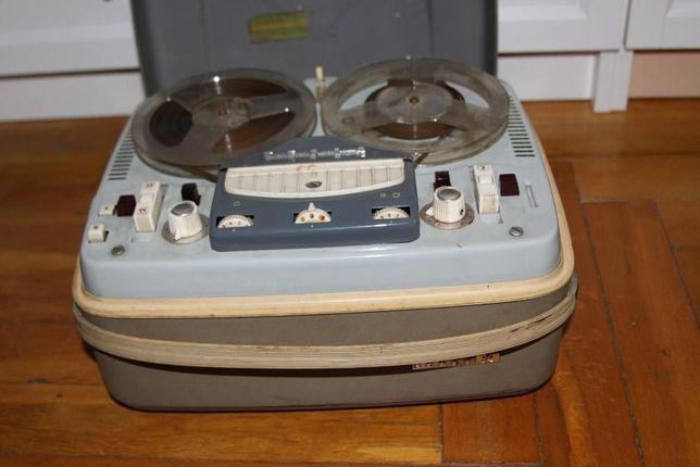 Magnetofon Tesla Anp 212 , PRL, retro