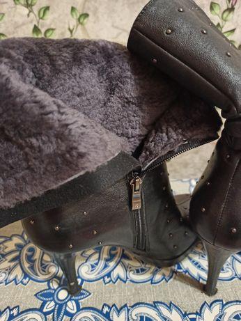 Продаются зимние кожаные полусапожки
