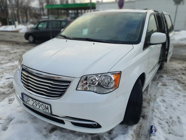 Chrysler Town and Country 2015 z gazem