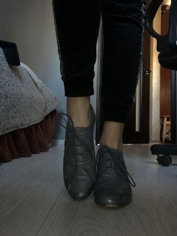 Туфли на каблуке. Натуральная кожа. Голубо-серые