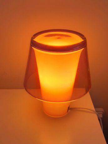 Candeeiro de mesa cor de laranja IKEA Gavik