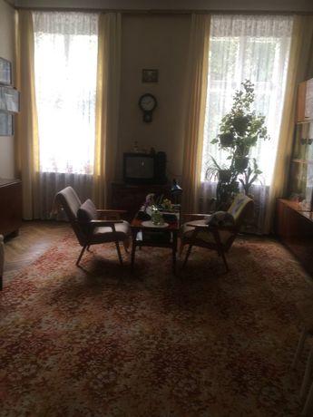 Продаж двокімнатної квартири в добротному австрійському будинку