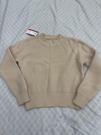 Продам теплый свитер новый!