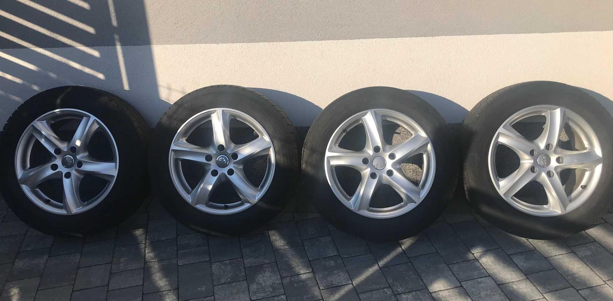 Opony zimowe Continental  215/60 R17 C VW T5 T6 CARAVELLE MULTIVAN