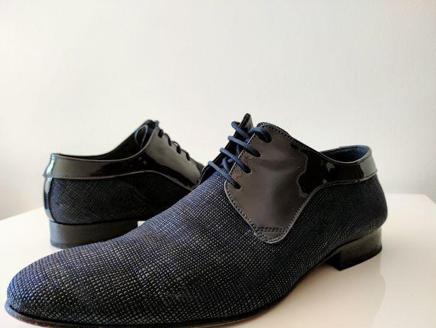 Sapatos cerimónia 43