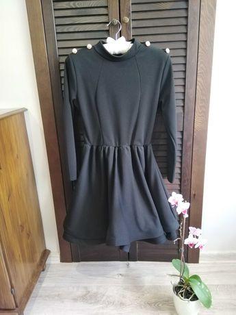 Czarna sukienka rozkloszowana rozmiar M