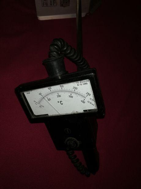 Stary zabytkowy termometr termoelektryczny przylgowy