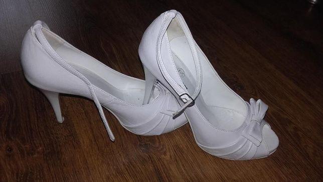 Buty na szpilce 38-39 ślubne białe