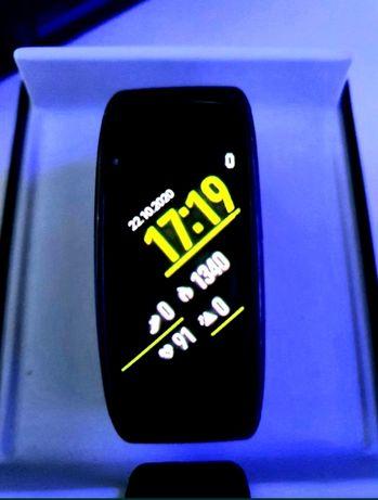 Smarband Samsung Gear Fit 2, stan b.dobry.