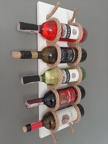 Półka na wino wieszak