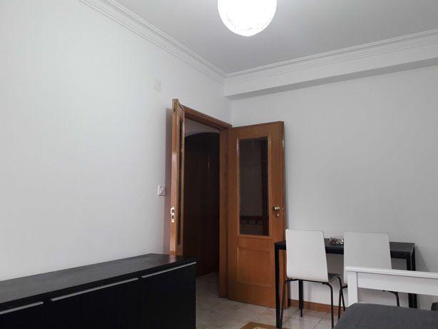 Carcavelos, Abóboda, Apartamento T0 com 40 m2, c/Garagem
