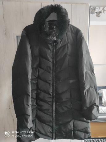 Czarna zimowa kurtka