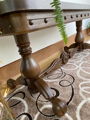 Стіл дубовий в гостинну або кухню
