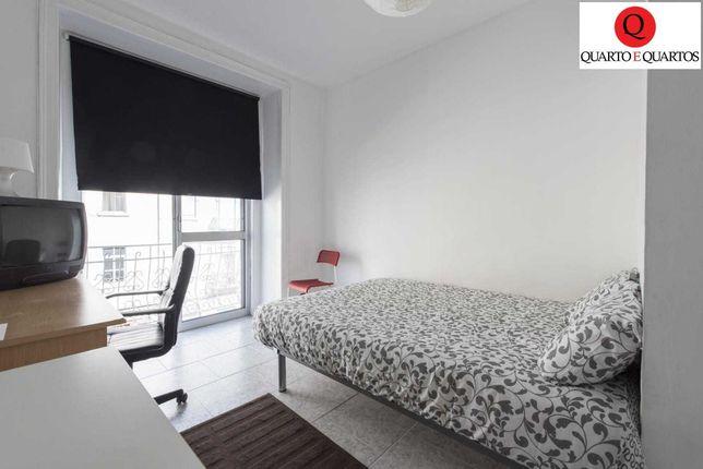 Quarto cama CASAL varanda PRIVADA metro Arroios / Alameda / Saldanha