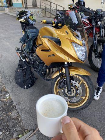 Yamaha xj6 diversion. Спортбайк