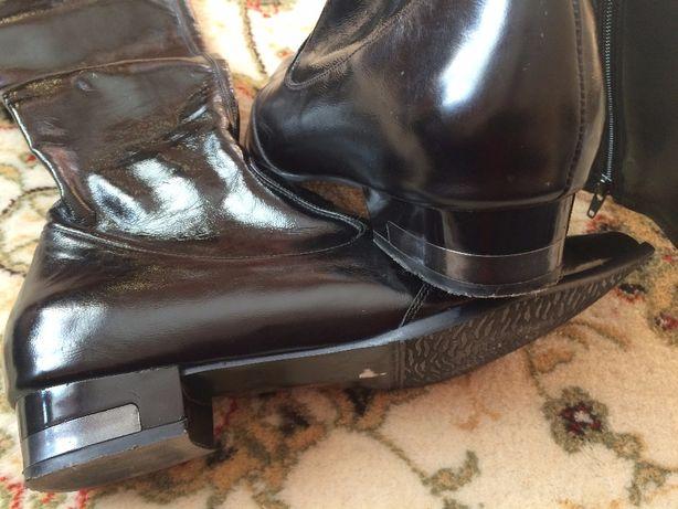 Шикарні італійські демисезонні чоботи сапоги Familiare 39 р.