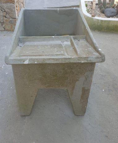 Tanque lavar roupa em cimento
