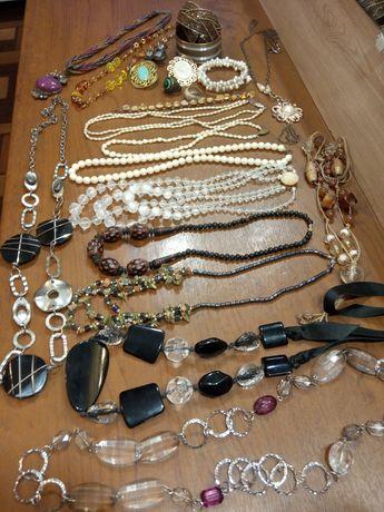 Винтажные кольца, ожерелья, браслеты.