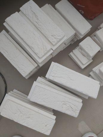 Płytki białe, cegiełki z fugą, oddam za darmo