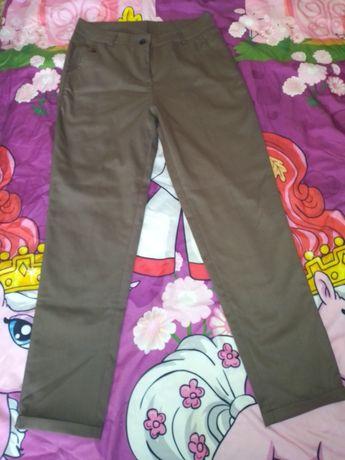 Женские брюки на девушку