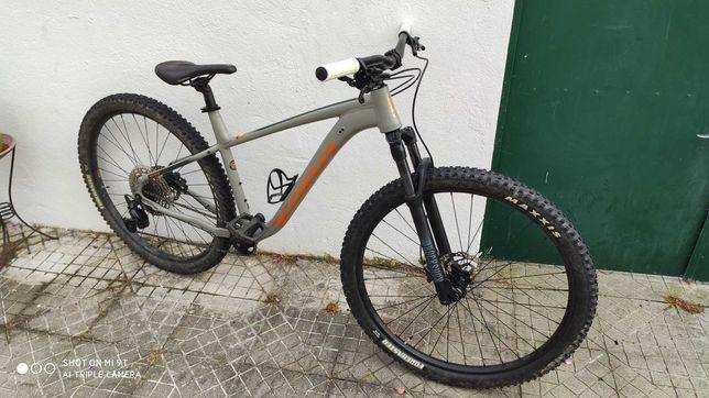 Bicicleta Kona Mahuna