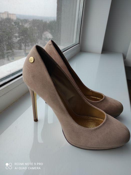 Бежевые туфли 39 размера Ирпень - изображение 1